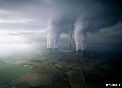 就连南极和北极的动物也受到了大气污染的影响!